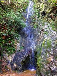幻の滝は涼しい