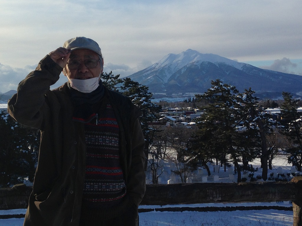弘前城からの津軽富士と小生