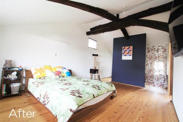 既存の梁を活かしたダイナミックな空間の子世帯の寝室