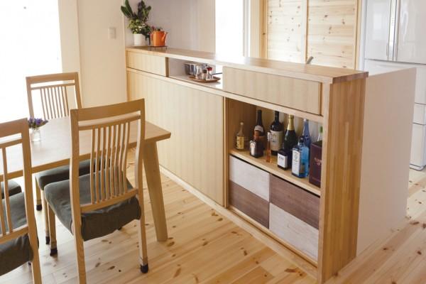 造作のキッチンカウンター