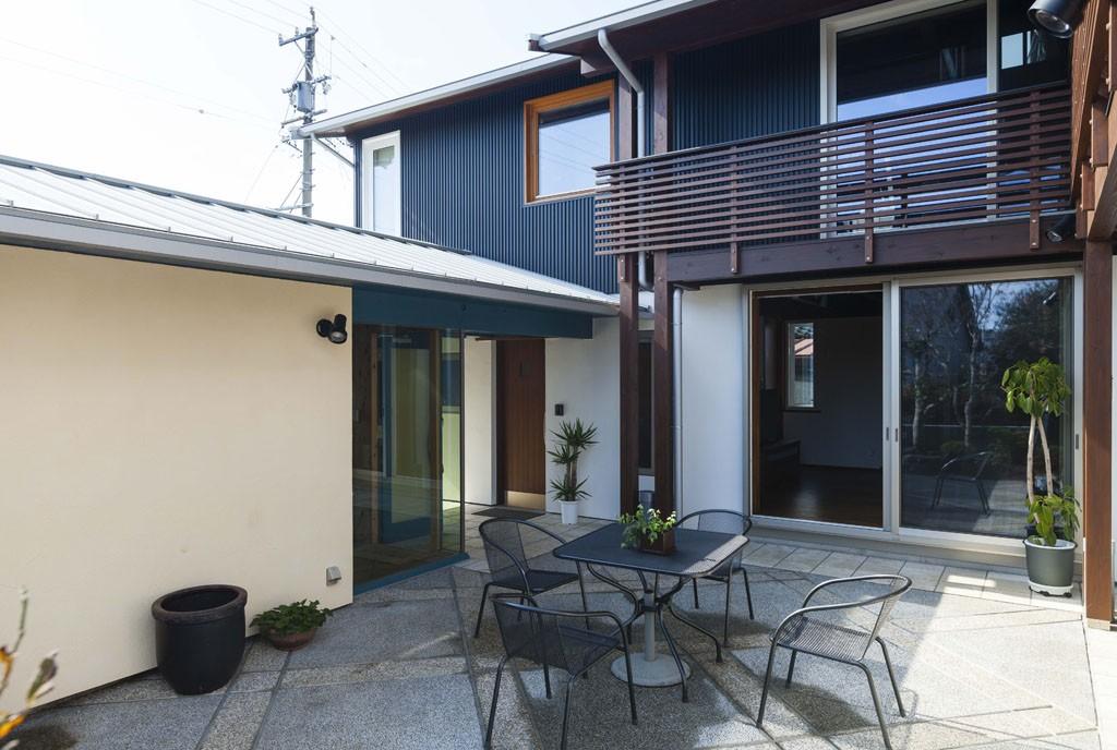 Ⅼ字型の家